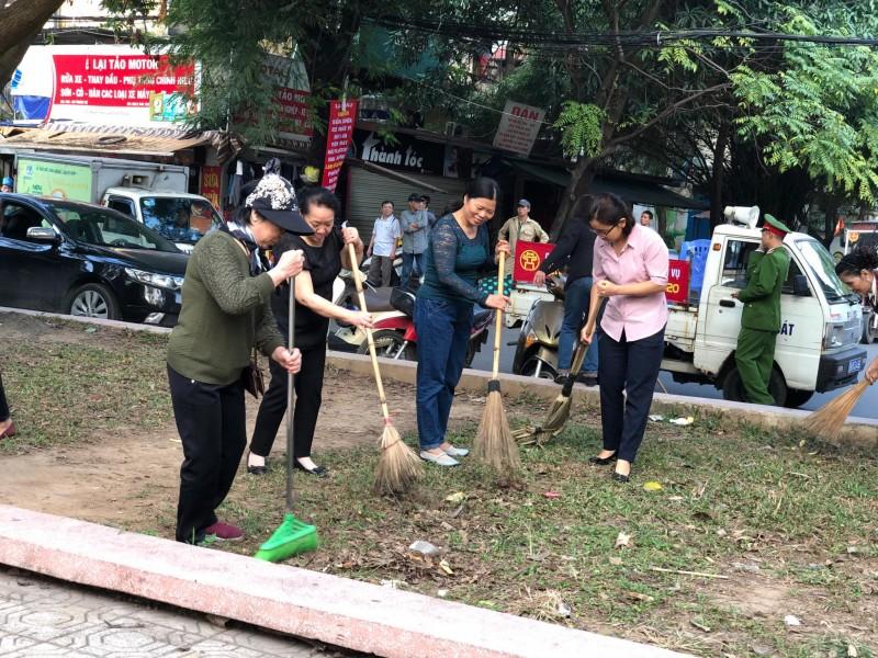 Phụ nữ phường Trung Tự nỗ lực tham gia bảo vệ môi trường