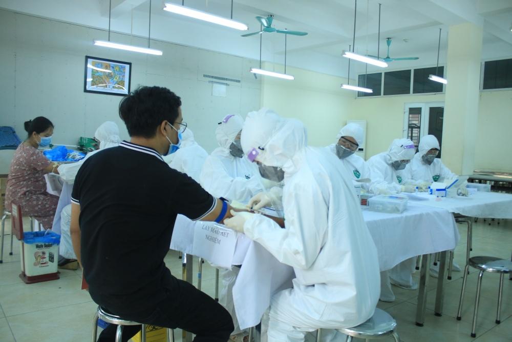 Hà Nội: Triển khai xét nghiệm cho người đi về từ Hải Dương, Quảng Ninh