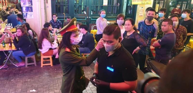 Hà Nội đề xuất hạn chế nhập cảnh với những người từ vùng dịch