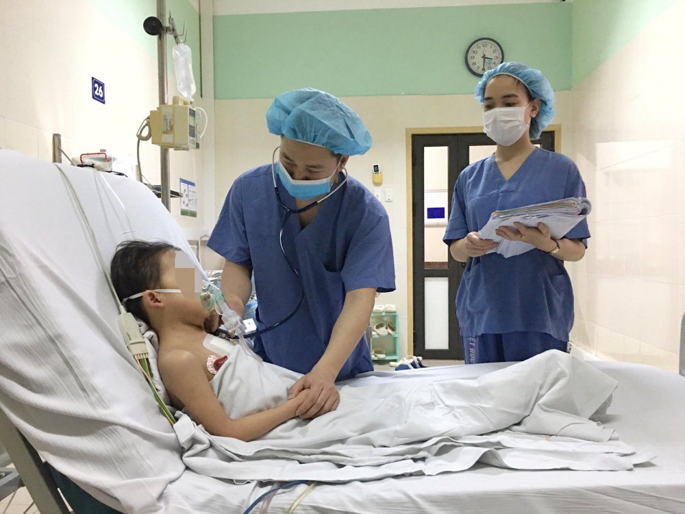 Kỷ lục ghép tim cho bệnh nhân nhỏ tuổi, nhẹ cân nhất Việt Nam