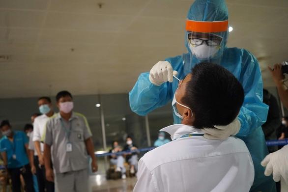 Tin đồn 20 trường hợp bị nhiễm Covid-19 tại sân bay Tân Sơn Nhất là chưa chính xác