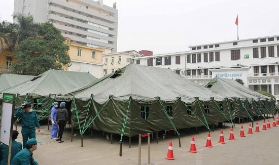 Xây dựng bệnh viện dã chiến tại Bệnh viện Bạch Mai