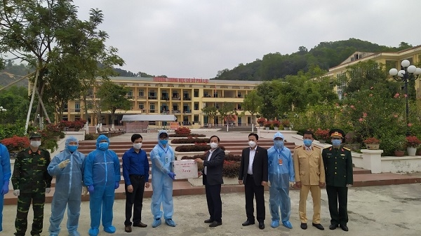Hải Dương: Di chuyển khẩn cấp 1.625 công nhân Poyun ra địa điểm cách ly mới