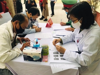 Tiêm thử nghiệm vắc xin Covid-19 ''Made in Vietnam'' giai đoạn 2