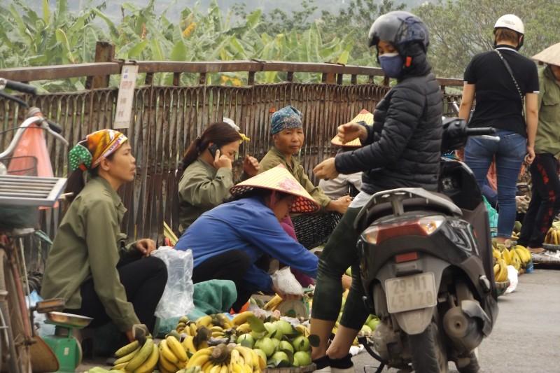 Hà Nội: Cần chấm dứt hoạt động mua, bán hàng trên cầu Long Biên