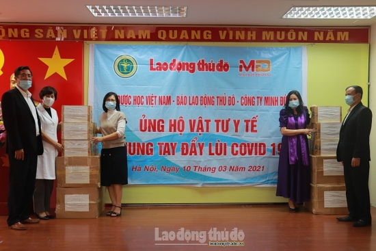 Báo Lao động Thủ đô đồng hành với cán bộ y tế nơi tuyến đầu chống dịch