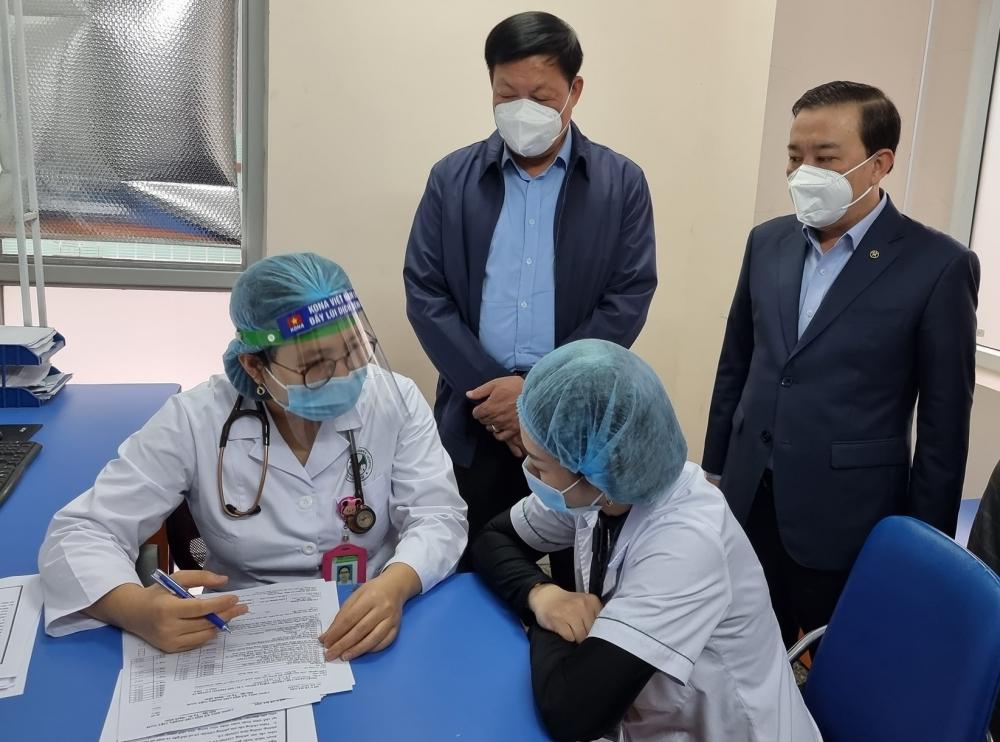 Hà Nội đã tiêm vắc xin Covid-19 cho gần 6.700 người