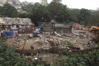 """""""Núi rác"""" vẫn ngập chân cầu Long Biên"""
