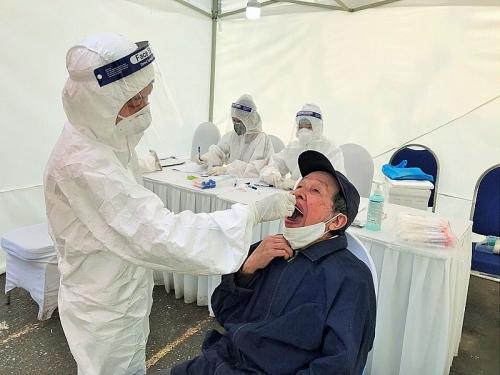 Tiếp tục xét nghiệm cho 700 người liên quan đến Bệnh viện Bạch Mai