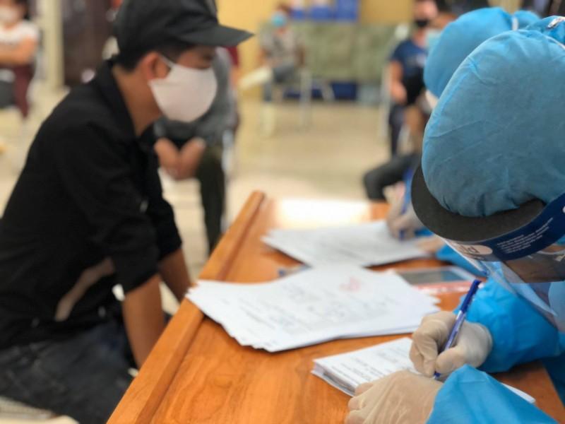 Thêm 3 ca mắc mới là người nhập cảnh, Việt Nam ghi nhận 1.180 ca Covid-19