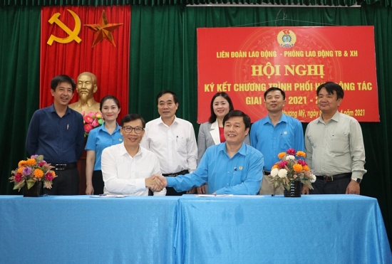 Ký kết thỏa thuận hợp tác về phúc lợi cho đoàn viên và người lao động