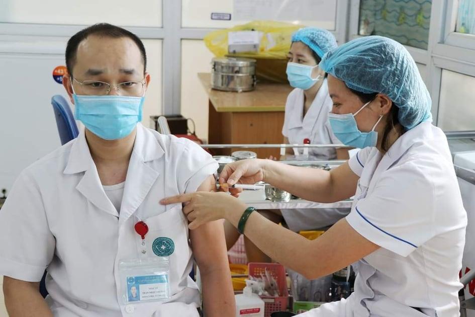 Gần 1,7 triệu liều vắc xin phòng Covid-19 của COVAX đã về đến Việt Nam