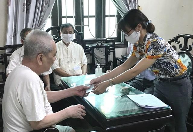 Kiểm tra, giám sát chi trả hỗ trợ người dân gặp khó khăn do dịch Covid-19 tại Phú Xuyên