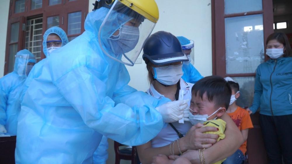 Đã có thêm 15 người mắc bệnh sau ca Covid-19 đầu tiên ở Hà Nam