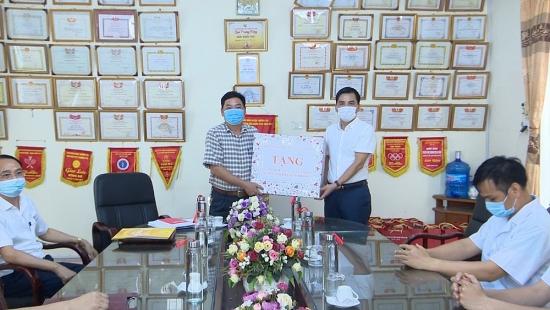 Tiếp sức cho cán bộ, nhân viên y tế huyện Thường Tín trên tuyến đầu chống dịch