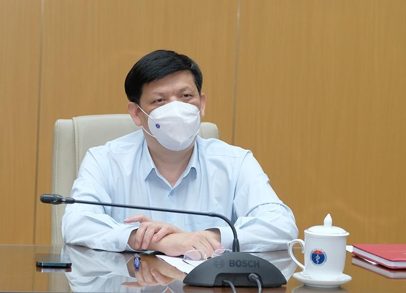 Bộ Y tế huy động khoảng 10.000 cán bộ, nhân viên y tế tham gia hỗ trợ chống dịch tại thành phố Hồ Chí Minh