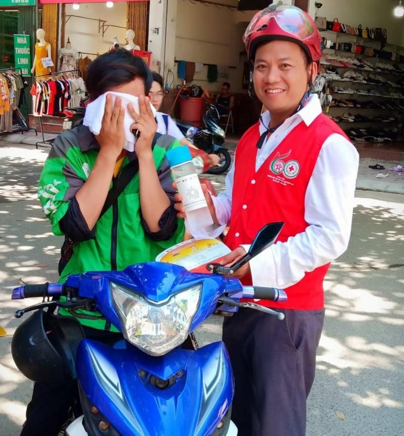Hà Nội: Lần đầu tiên xuất hiện điểm tránh nắng lưu động bằng xe bus