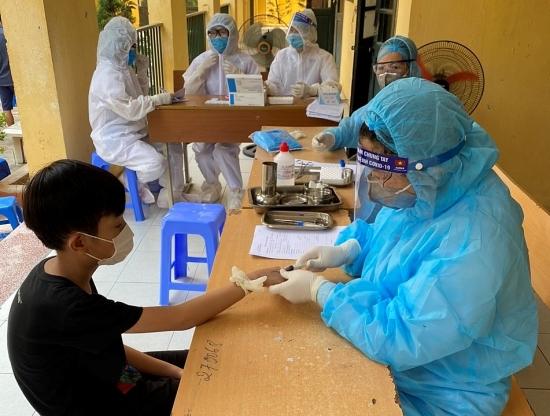Sáng 6/8, thêm 4 ca mắc Covid-19 mới, có 1 người là nhân viên điều hành xe bus ở Hà Nội