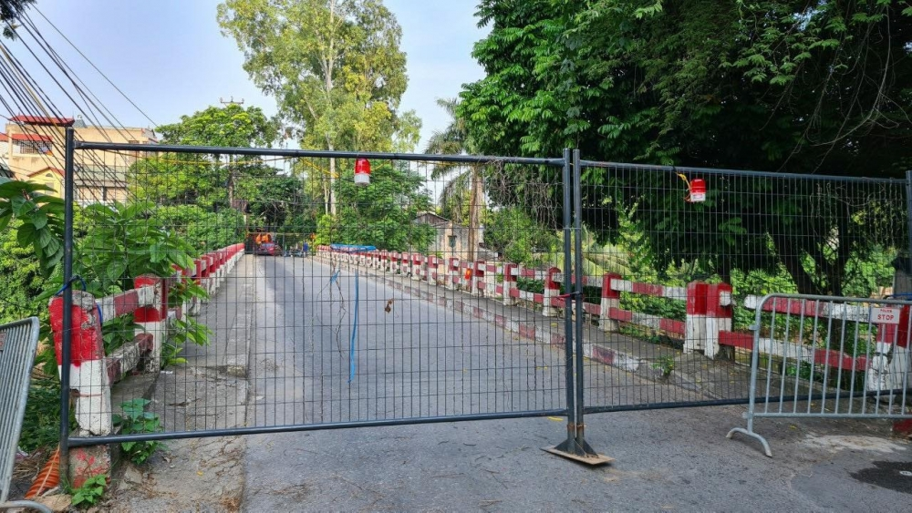 Lập chốt cứng rào chắn tại 30 điểm cầu, người dân không di chuyển qua đây