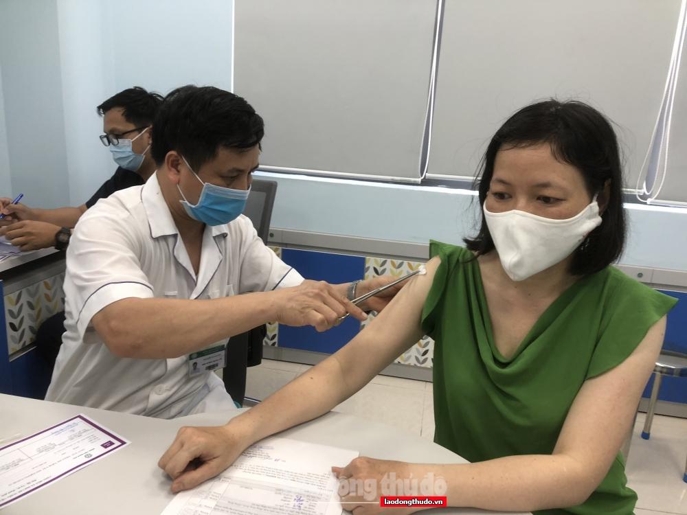Hà Nội nhanh chóng triển khai tiêm chủng vắc xin đợt thứ 13