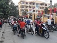 Đừng để trẻ học thói xấu từ việc cha mẹ vi phạm luật giao thông