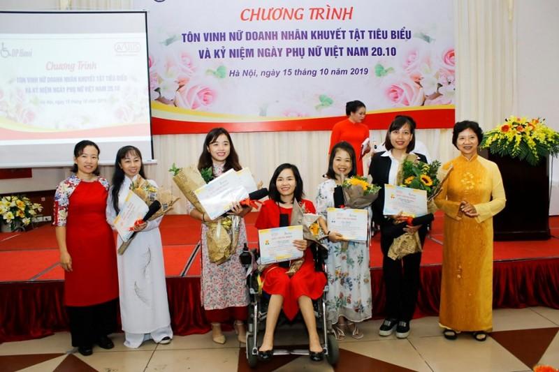 Tôn vinh nữ doanh nhân khuyết tật tiêu biểu thành phố Hà Nội