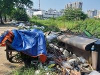 Nhếch nhác rác thải trên tuyến đường Lê Đức Thọ