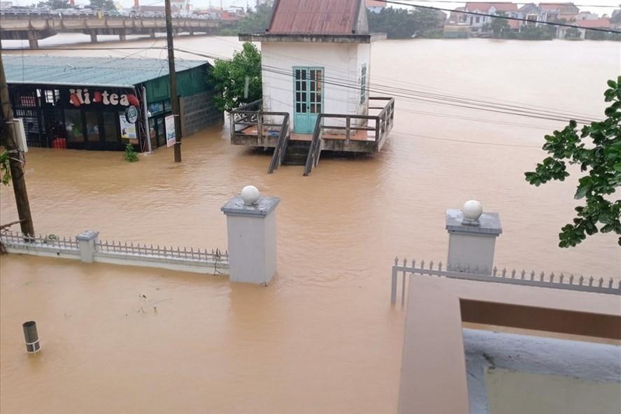 Triển khai công tác y tế khắc phục hậu quả của bão số 9