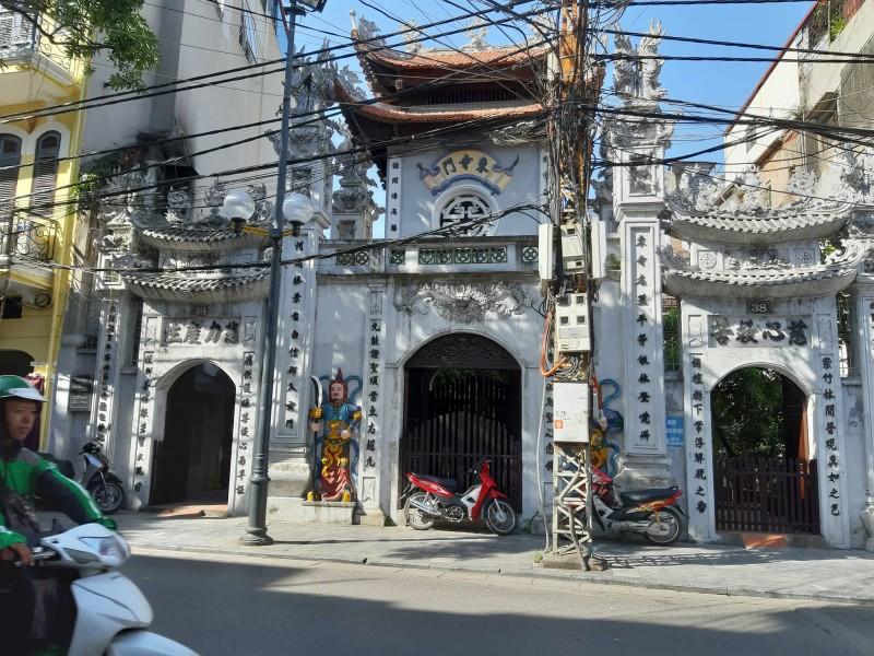 Độc đáo ngôi chùa lưu giữ 60 pho tượng Phật cổ