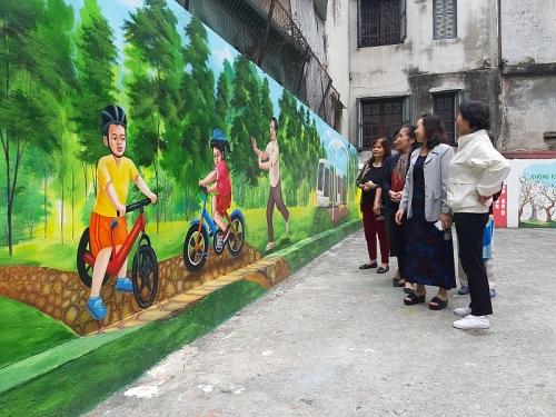 Thông điệp bảo vệ môi trường từ những bức bích họa