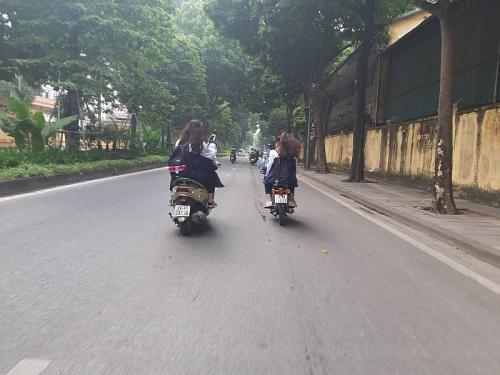 Cha mẹ cho con sử dụng xe gắn máy khi chưa đủ tuổi gây tai nạn có thể bị truy tố
