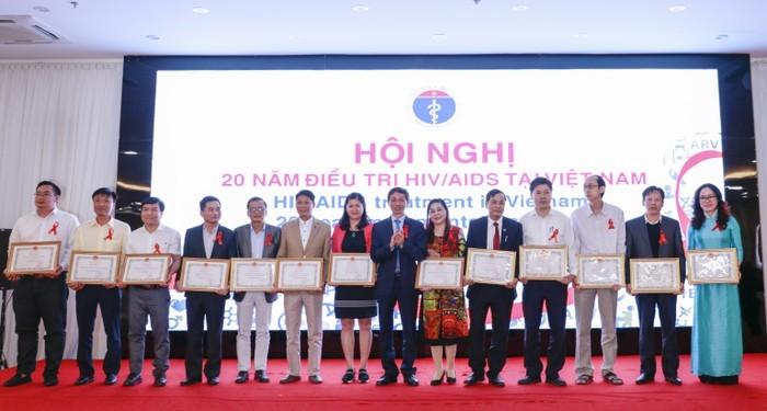 Việt Nam đạt được nhiều thành tựu sau 20 năm điều trị HIV/AIDS