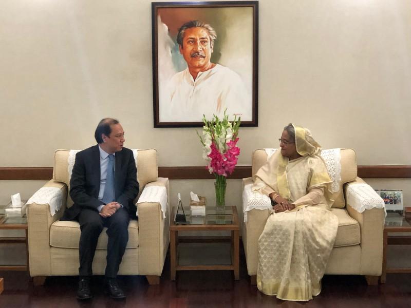 Đặc phái viên của Thủ tướng Chính phủ thăm Bangladesh