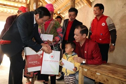Mang hơi ấm mùa Xuân đến với đồng bào nghèo tỉnh Lai Châu