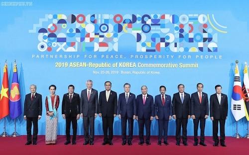 Thủ tướng Nguyễn Xuân Phúc gửi thư chúc mừng năm mới tới lãnh đạo các nước ASEAN