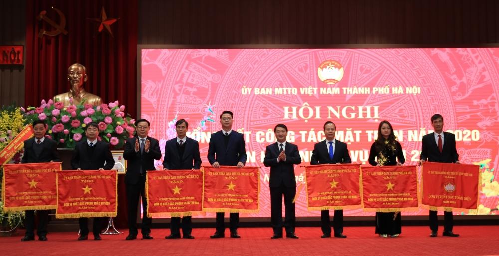 Mặt trận Tổ quốc Việt Nam thành phố Hà Nội được tặng thưởng Huân chương Lao động hạng Ba