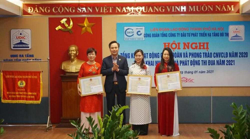 Công đoàn Tổng Công ty UDIC được Liên đoàn Lao động thành phố tặng Cờ thi đua xuất sắc