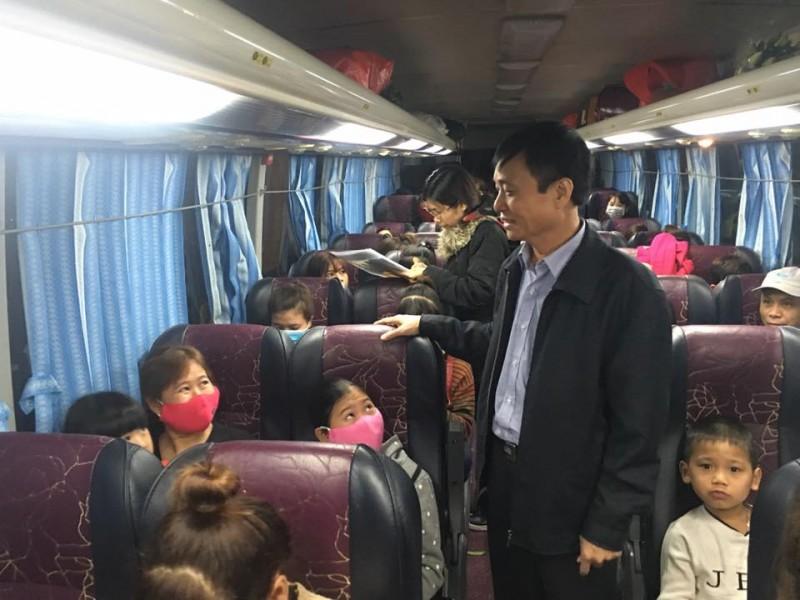 Tổ chức 755 chuyến xe đưa công nhân về quê đón Tết