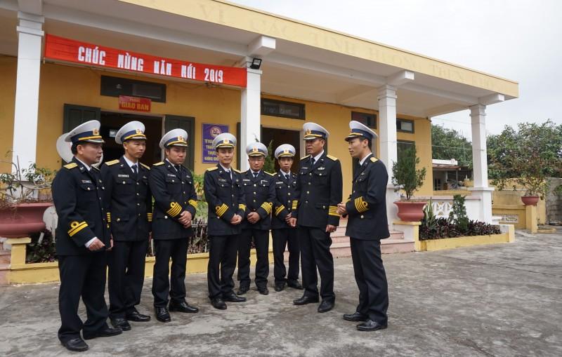 Hải quân nhân dân Việt Nam: Xử lý kịp thời, hiệu quả các tình huống trên biển