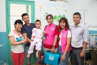 Quyên góp hơn 2 tỷ đồng, tài trợ phẫu thuật tim cho trẻ em