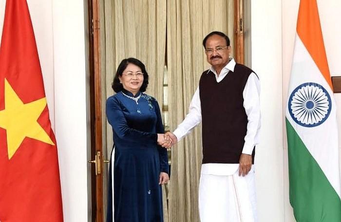 Phó Chủ tịch nước Đặng Thị Ngọc Thịnh hội đàm với Phó Tổng thống Ấn Độ