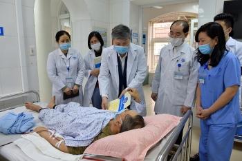 Tết ấm cho bệnh nhân bảo hiểm y tế có hoàn cảnh khó khăn