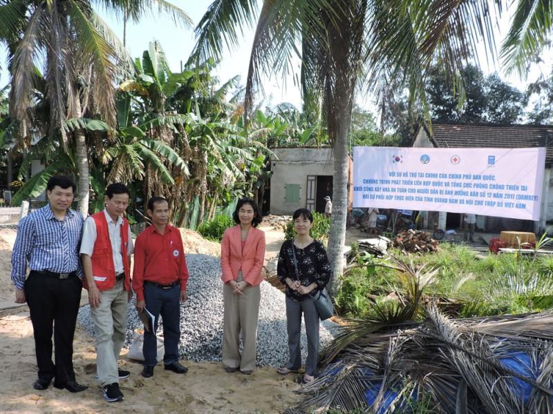 Sẽ xây 300 căn nhà an toàn cho người dân bị bão Damrey tàn phá