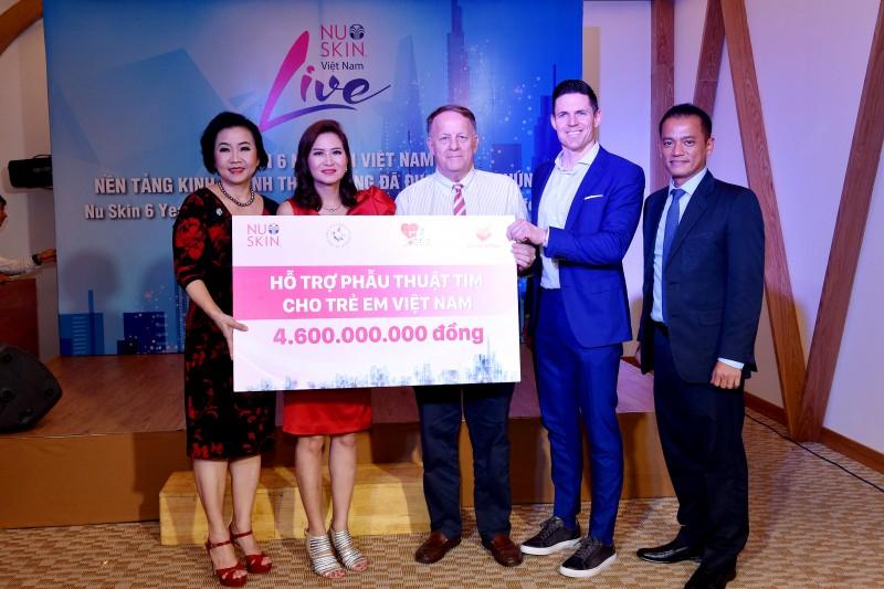 Trao 4,6 tỷ đồng hỗ trợ phẫu thuật tim bẩm sinh cho 100 trẻ em Việt Nam
