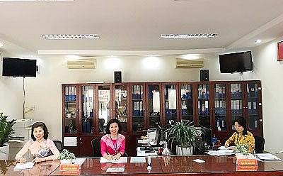 Bộ phận một cửa phường Việt Hưng trả lại gần 70 triệu đồng cho công dân