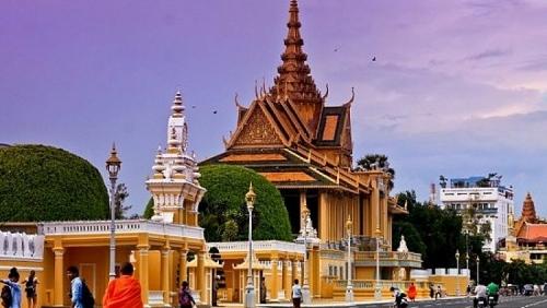Từ 20/3: Campuchia tạm dừng xuất, nhập cảnh đối với công dân hai nước