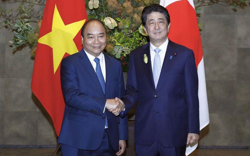 Thủ tướng Nguyễn Xuân Phúc chia sẻ những khó khăn, tổn thất dịch Covid-19 gây ra cho Nhật Bản