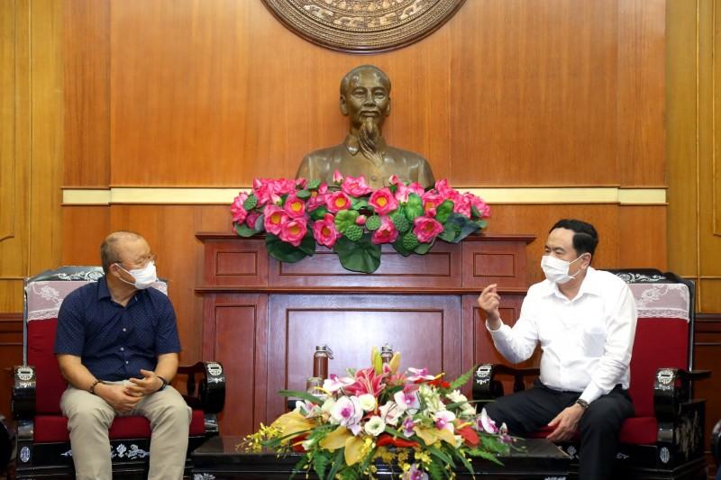 Huấn luyện viên Park Hang Seo ủng hộ 5.000USD, chung tay cùng Việt Nam phòng, chống dịch