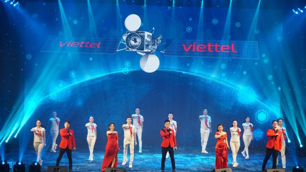 """Viettel khởi động chương trình """"75 nghìn sáng kiến, vượt khó, phát triển"""""""
