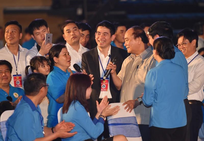 Người lao động có thể gửi câu hỏi tới Thủ tướng Nguyễn Xuân Phúc qua các cấp công đoàn